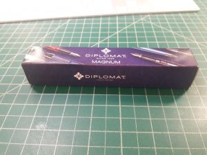 001-new-pen-day-diplomat-magnum-box