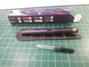 002-new-pen-day-diplomat-magnum-prismatic-purple-out-of-box